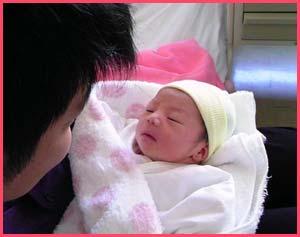 中野聡子の旦那・松尾アトム前派出所はバツイチで子持ちだった
